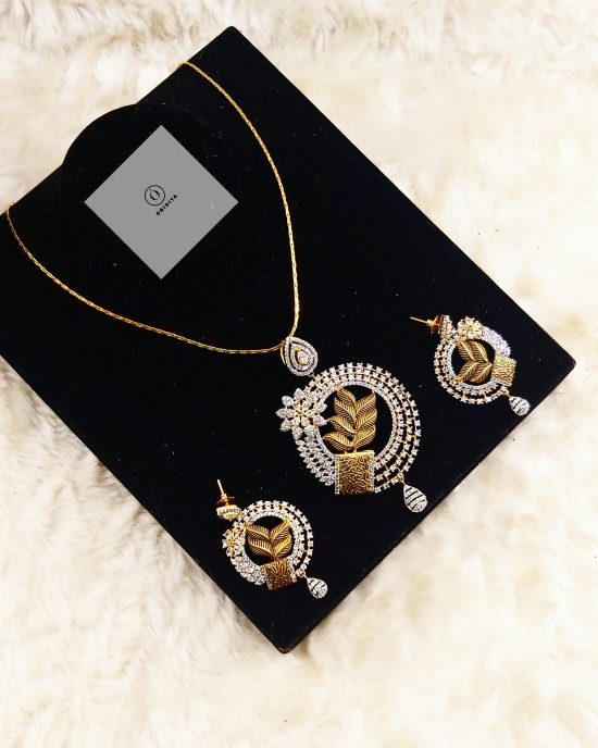 Indian inspired gold antique pendant and earrings set